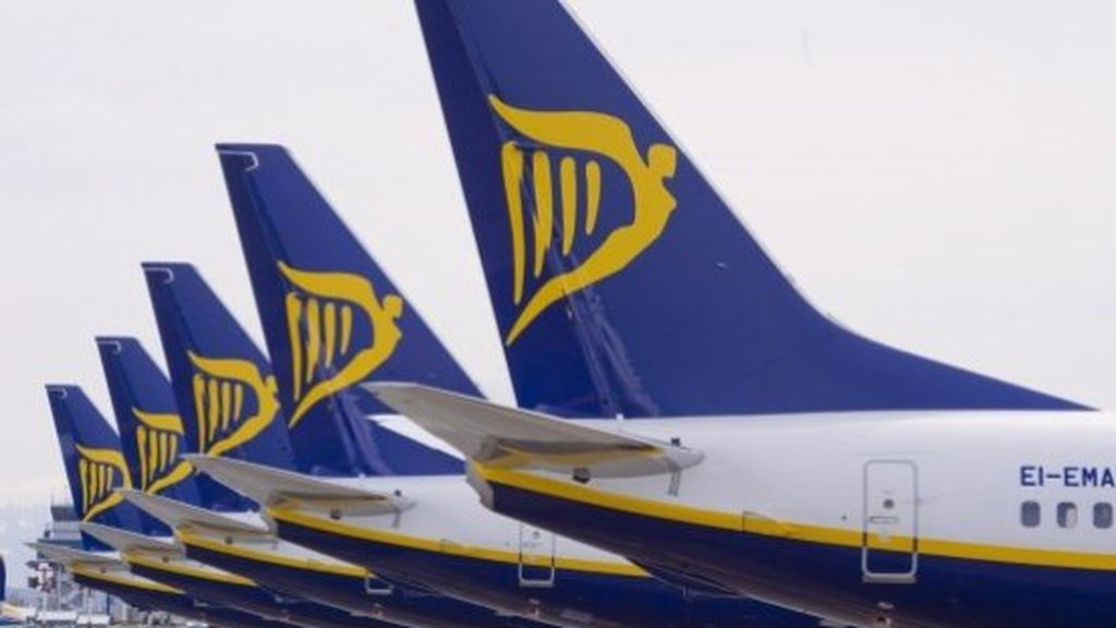 Un hombre muerde la nariz de otro en pleno vuelo entre Glasgow a Tenerife Sur