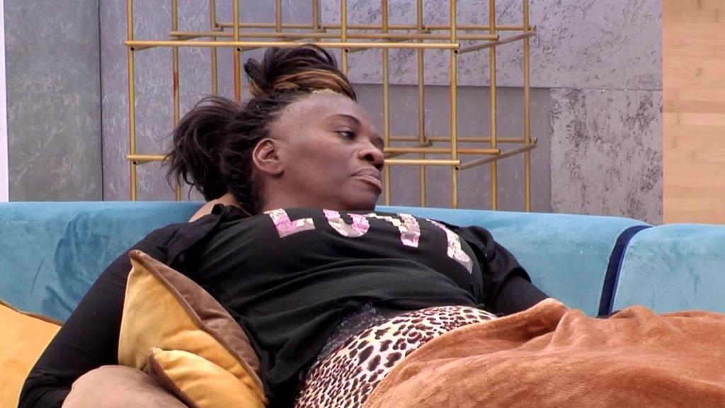 Carolina propone que Alejandro sea tronista en 'Mujeres y Hombres' y Sofía se pica mucho