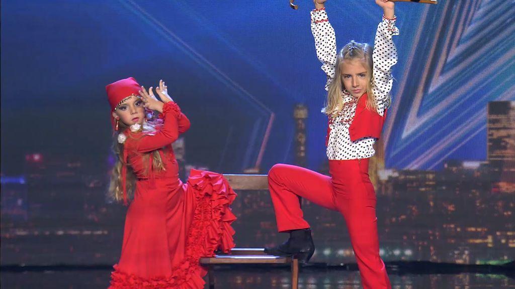 Los pequeños Peter y Lola bailan flamenco con desparpajo para dar y repartir