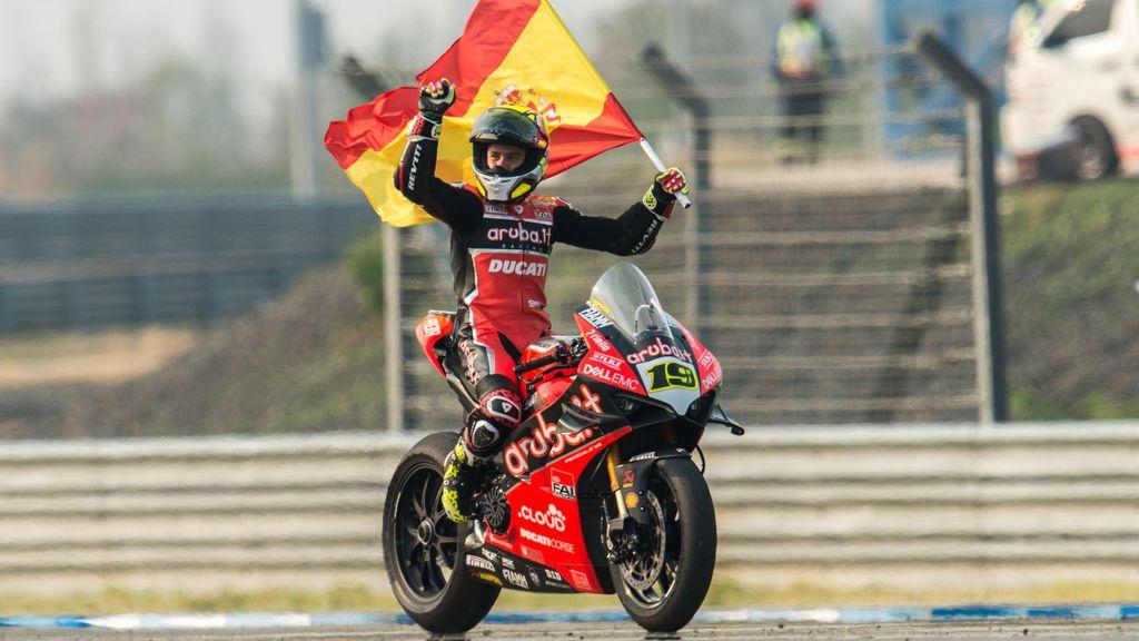 El mensaje de Álvaro Bautista a la afición española tras conseguir otro triplete en Superbikes