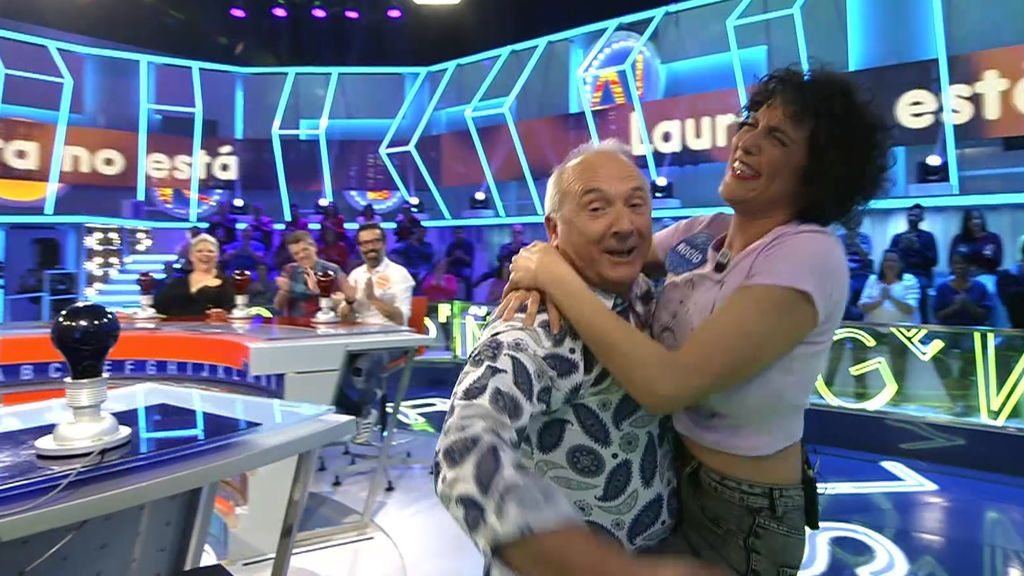Rocío Madrid y Xavier Deltell la lían en la pista musical