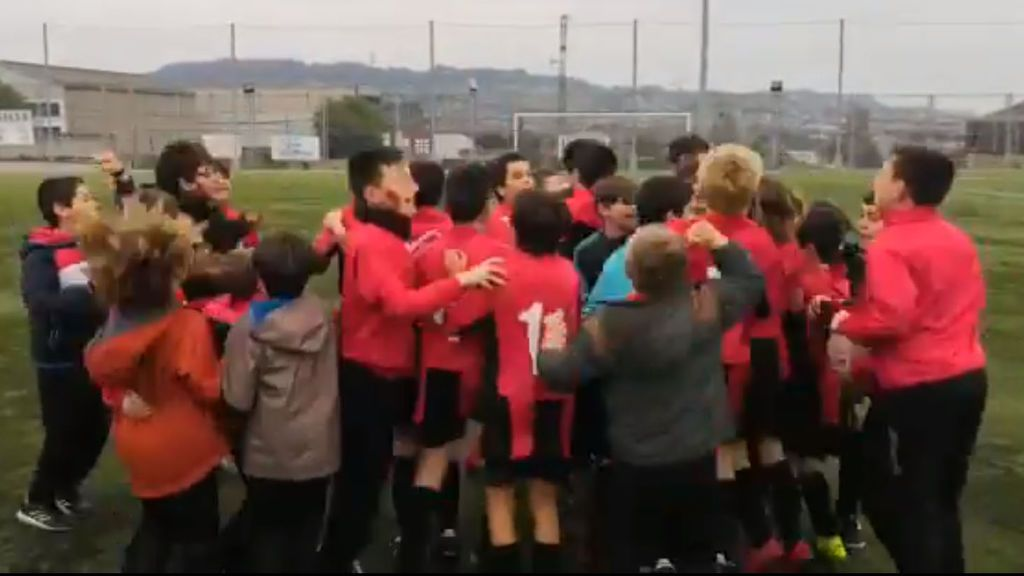 Gesto de deportividad entre benjamines en Asturias: falla a posta un penalti dudoso señalado por el árbitro