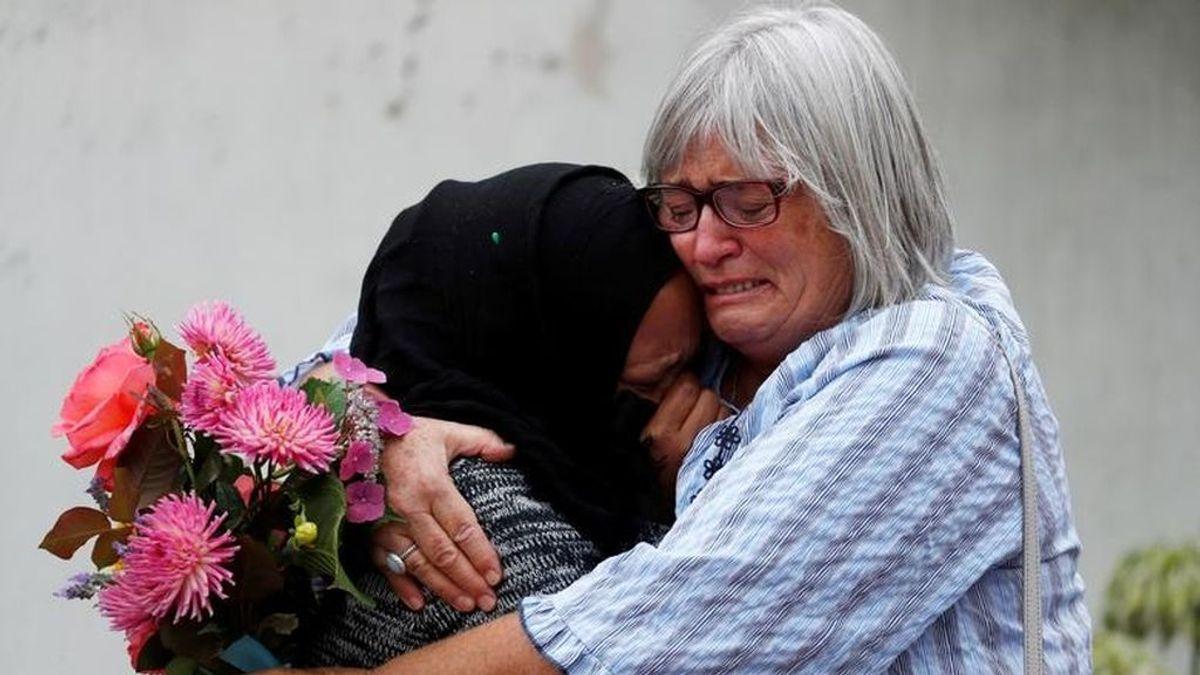 Abrazos contra el dolor en Nueva Zelanda