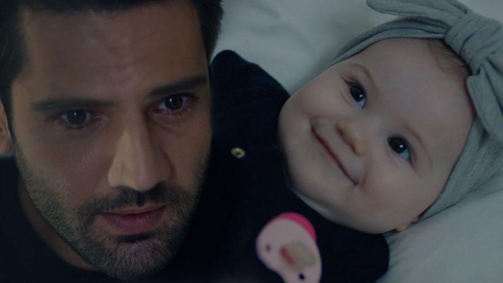 El tierno encuentro de Emir y Deniz: la pequeña le llama papá