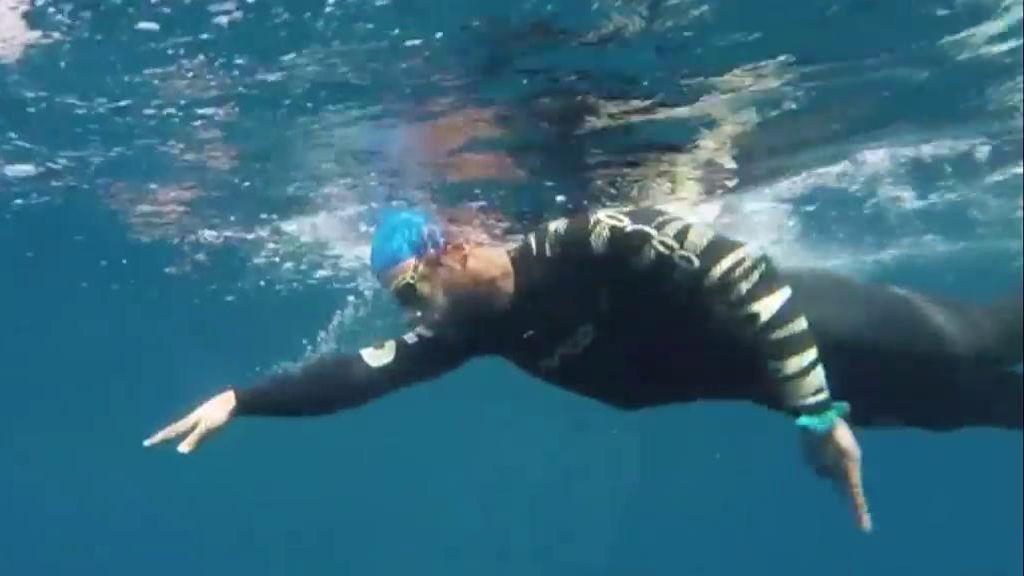 """Las dificultades que superó Nacho Dean al unir los cinco continentes a nado: """"Crucé aguas tan oscuras que apenas puedes ver"""""""