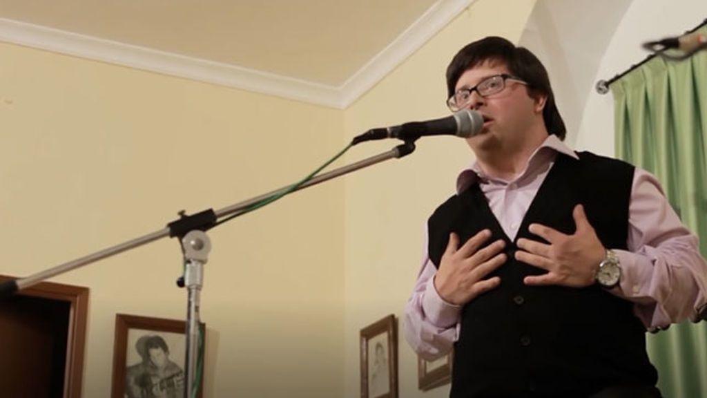 Descubriendo a personas con síndrome de Down: Manolo es cantaor flamenco