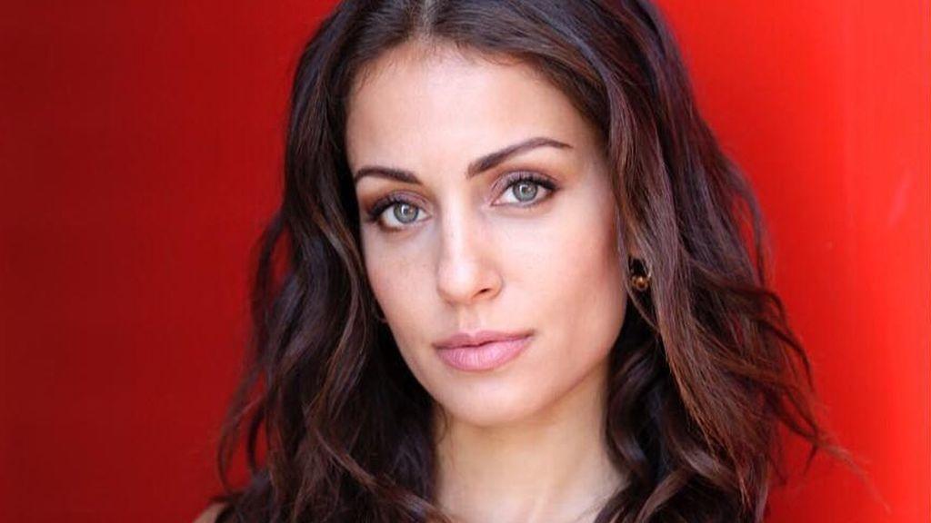 Hiba Abouk estrena corte de pelo y posa sin maquillar