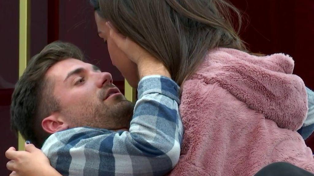 Alejandro y Sofía, más cerca que nunca antes de la entrada de Maite a la casa