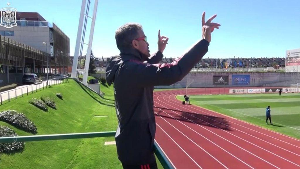 Las instrucciones de Luis Enrique a sus jugadores desde un andamio