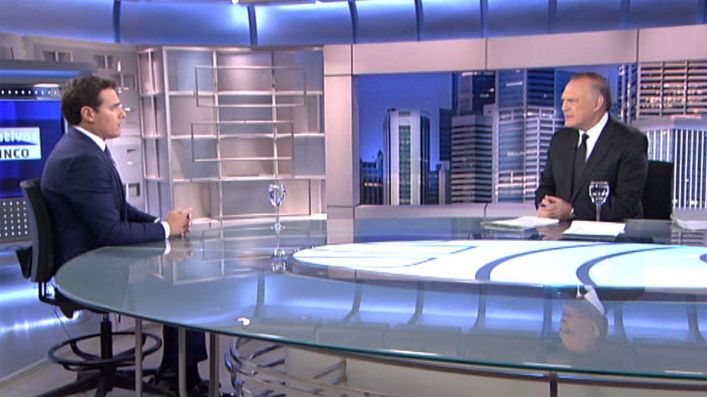 La entrevista de Pedro Piqueras a Albert Rivera en Informativos Telecinco, íntegra