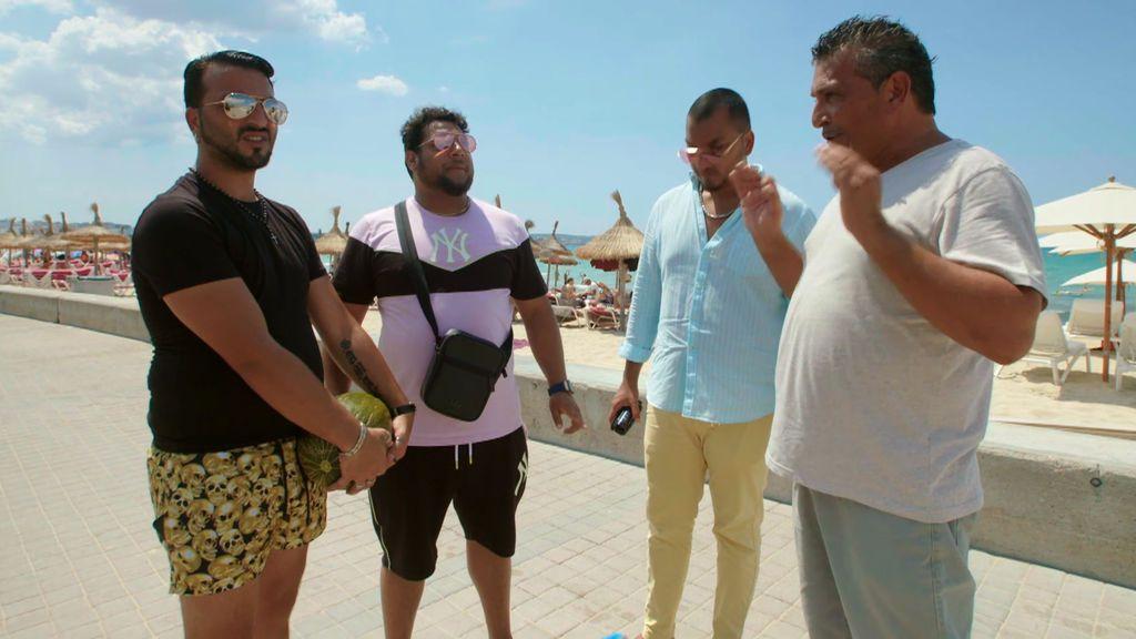 Los Fernández Navarro inauguran su cámara oculta con la mítica broma del melón