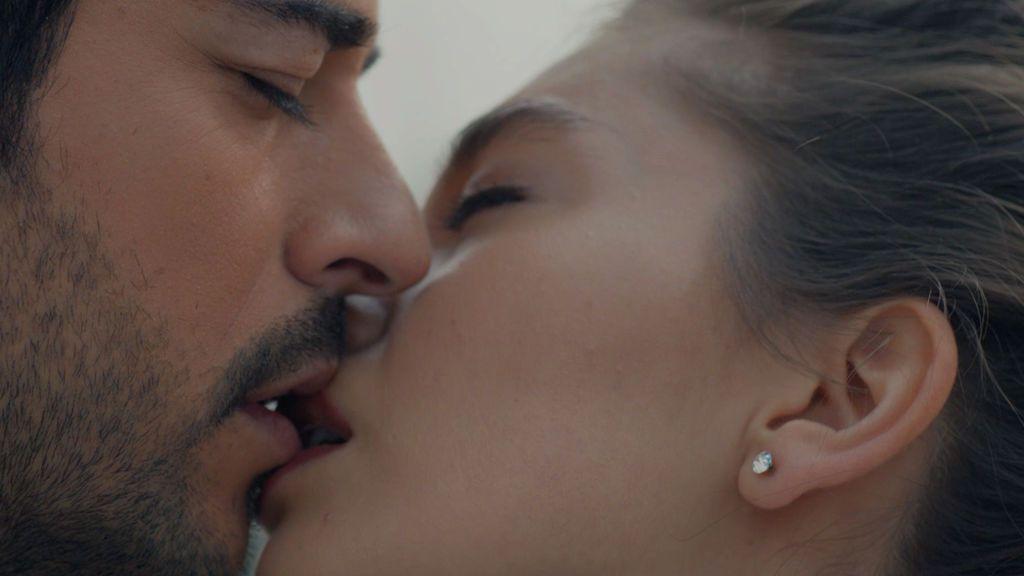 "Kemal jura amor eterno a Nihan: ""Estaré contigo hasta mi último aliento"""