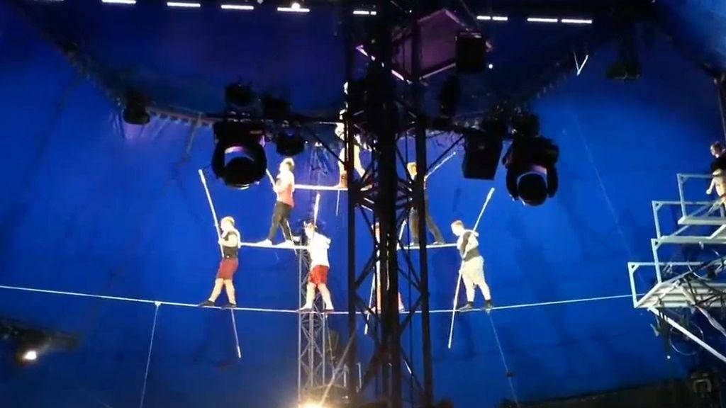 Publican el vídeo de la caída de cinco equilibristas de circo que estaban a 10 metros de altura