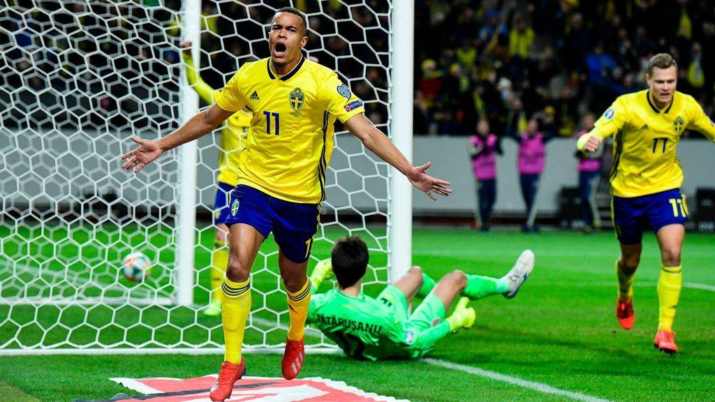 Quaison finaliza una jugada perfecta de Suecia para hacer el primer gol