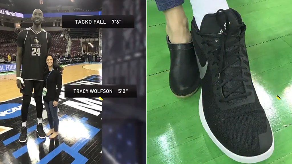 La diferencia de tamaño entre Tacko Fall, jugador universitario de baloncesto , y una periodista que te va a dejar sin palabras