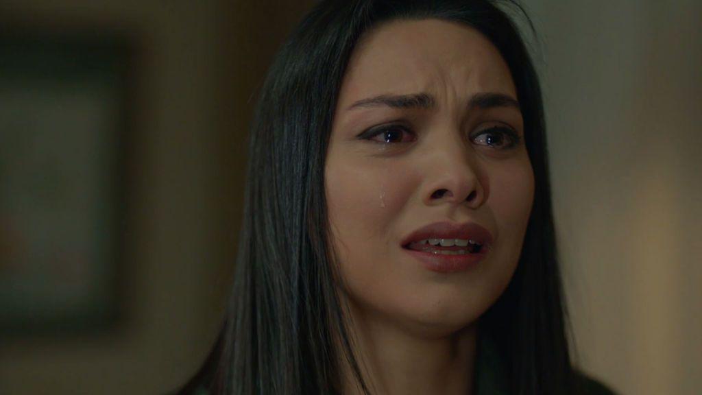 """La dramática confesión de Zeynep: """"Amo a Emir, no pude controlar mi corazón y me odio"""""""