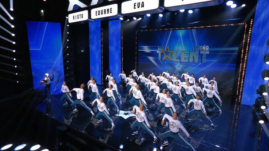 """'Escuela Media Punta' lleva Galicia hasta el escenario de 'Got Talent' y Paz se rinde a ellos: """"He escuchado hasta las gaviotas"""""""