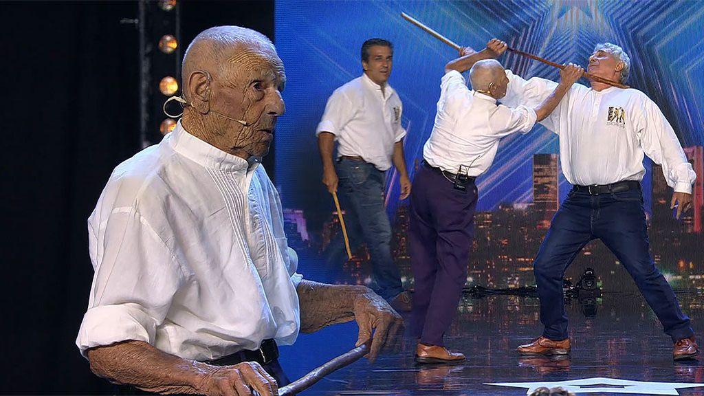 """El show de defensa personal de Don Eduardo (94 años) toca el corazón de Risto: """"Conocerle es un regalo"""""""
