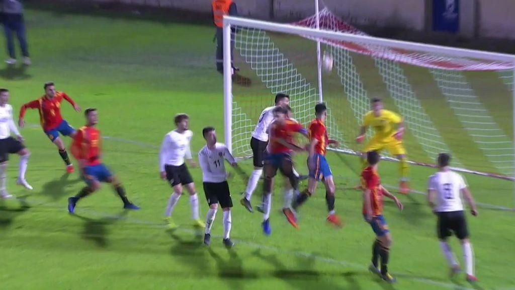 Marc Roca se suma a la fiesta y firma un gol de cabeza tras un lanzamiento de córner (3-0)