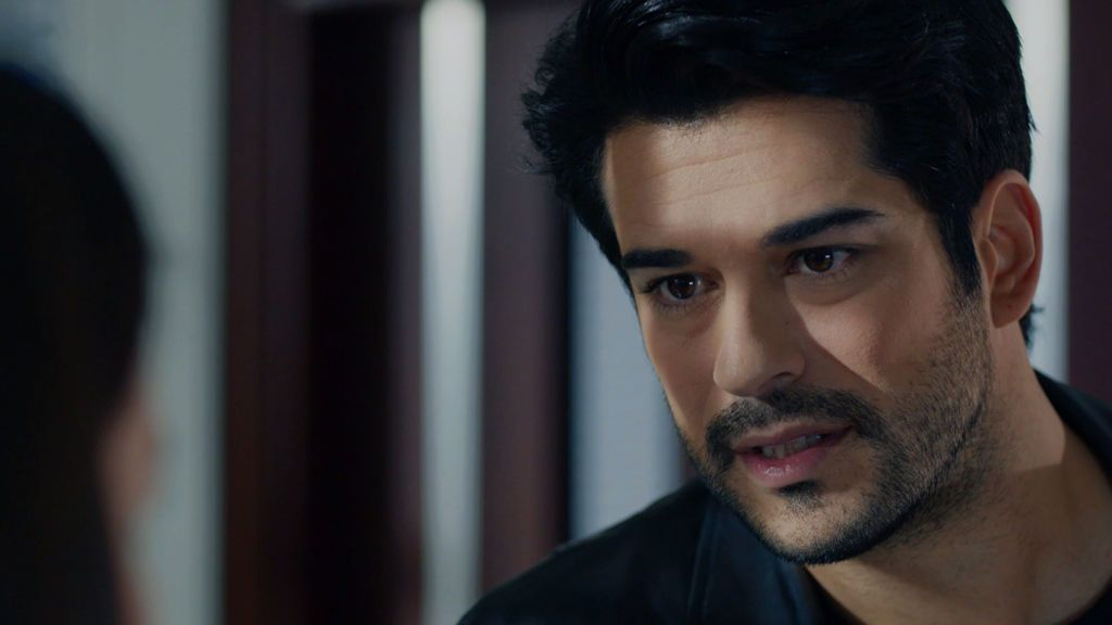 Kemal sospecha que Deniz es su hija