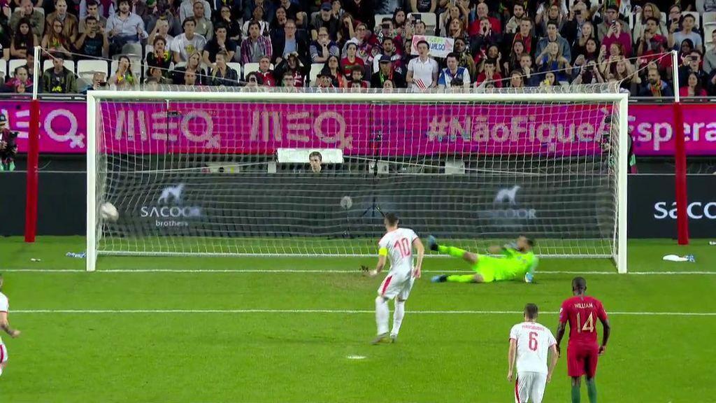 Tadic engaña a Rui Patricio y adelanta a Serbia ante Portugal de penalti (0-1)