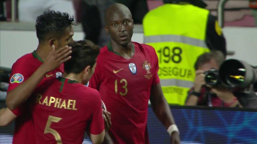 Qué barbaridad de gol: Danilo arranca en el centro del campo y se saca un cañonazo desde la frontal (1-1)