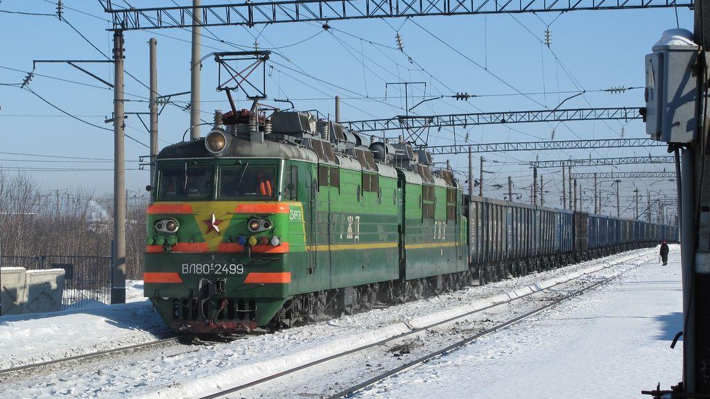Muere arrollada por un tren mientras se hacía un selfi en Rusia