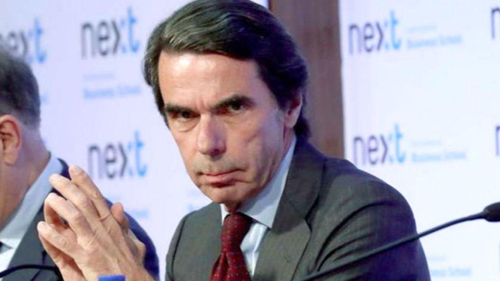 Atrévete a mirar a Aznar a los ojos: las 5 miradas del expresidente