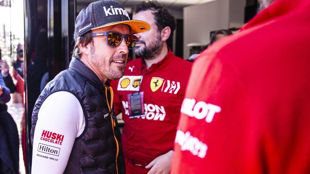 Fernando Alonso vueve a subirse al McLaren en los test oficiales de Bahrein