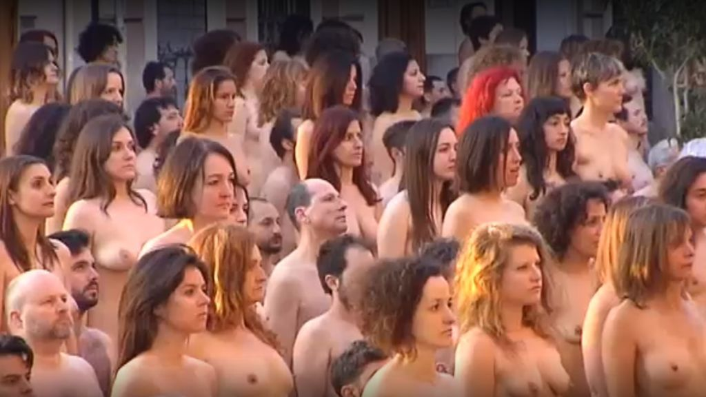 Spencer Tunick llena Valencia de cuerpos desnudos para su nueva obra