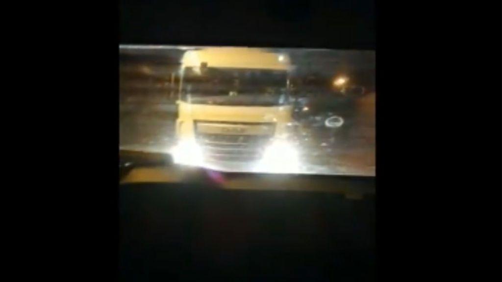 """""""¡Se acerca mucho!"""": el grito de pánico de una niña en una carretera de Navarra"""