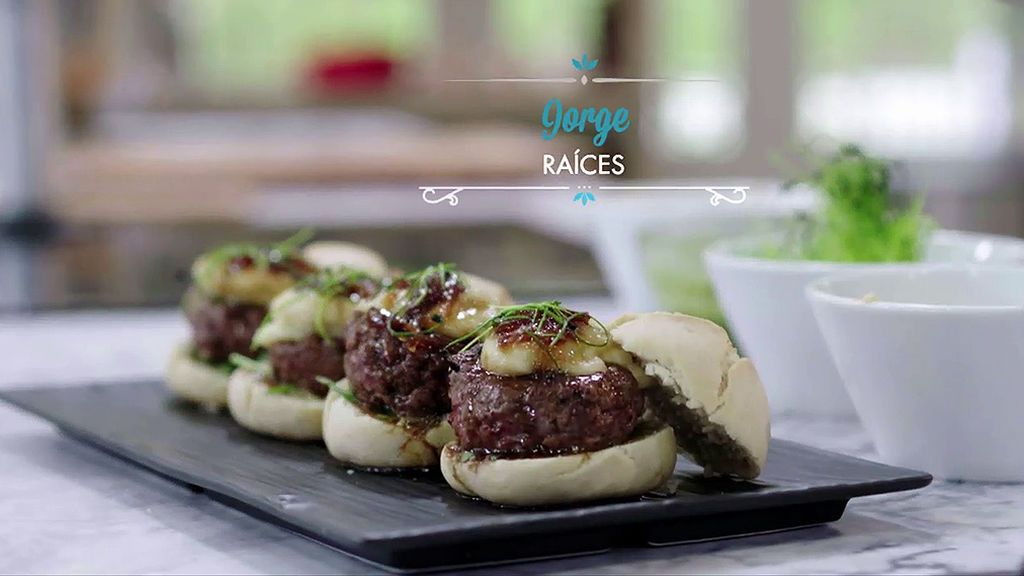 Cocina la hamburguesa con mayonesa de anacardos de Jorge y chimichurri de albahaca