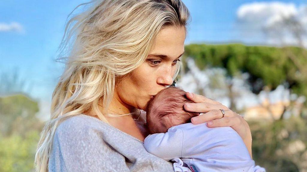 """Patry Montero acusa los problemas del sueño a la crianza de su hija Layla: """"Parezco un mapache"""""""