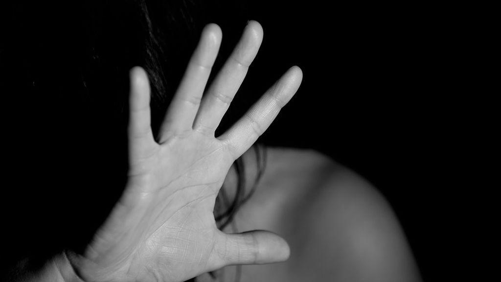 """Patea la cara a su mujer dejándola sin olfato y el juez le rebaja la pena por no haber """"intención"""""""