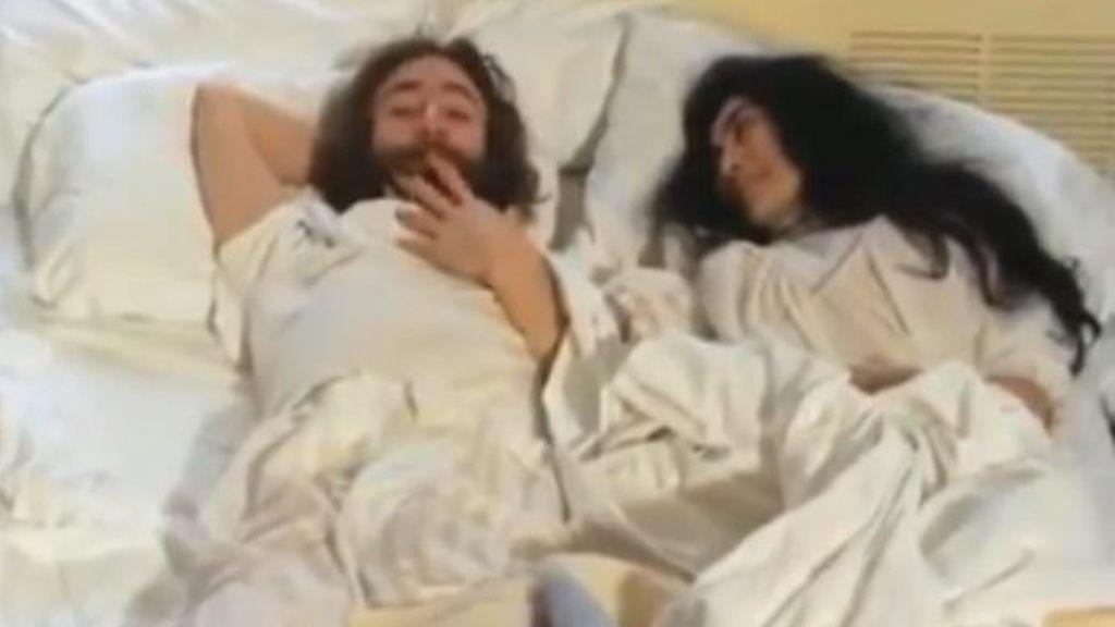 Lennon y Yoko encamados e inéditos: se recuperan imágenes olvidadas de su peculiar luna de miel