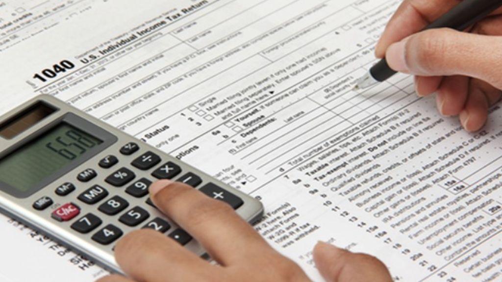 Los consejos de la OCU: Lo que hay que revisar sí o sí en la declaración de la renta 2018