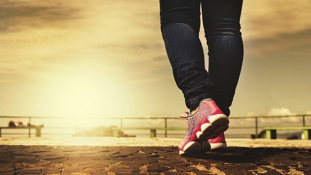 Andar una hora semanal si se sufre artrosis mejora la evolución de la enfermedad