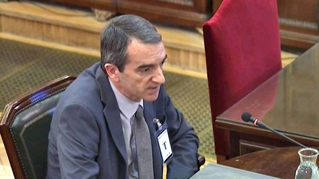 """Un mando de Mossos afirma que Puigdemont habló de declarar la independencia si había """"desgracia"""" el 1-O"""
