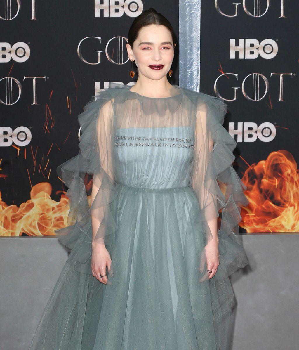 Emilia Clarke, la princesa de la casa de Targaryen en 'Juego de Tronos' fue una de las estrellas de la noche