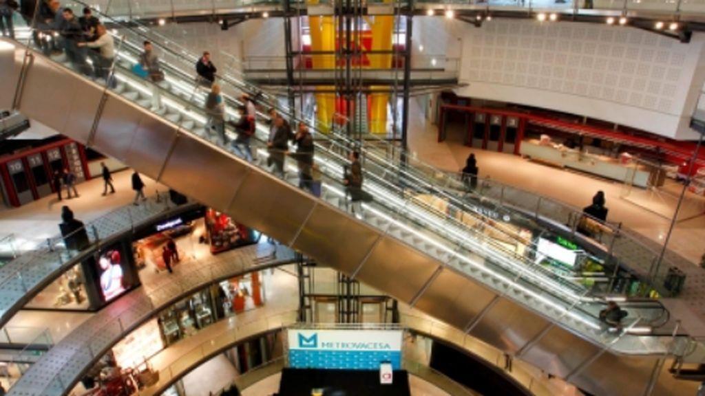 Cae la afluencia a los centros comerciales que tiran de ofertas para remontarce