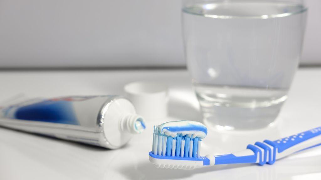 toothpaste-3067570_1920