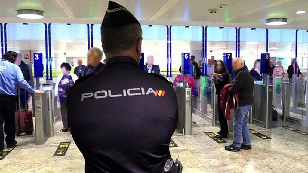 Detienen a un padre y su hijo por intentar embarcar 400 gramos de hachís en el aeropuerto de Alicante