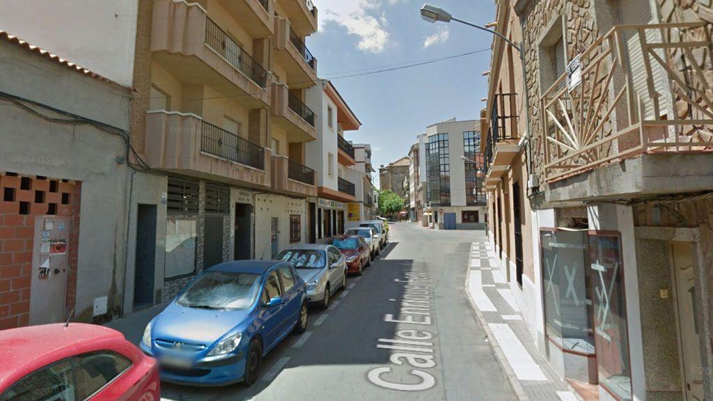 Muere un carnicero al clavarse el cuchillo que manipulaba su mujer en su tienda de Ciudad Real