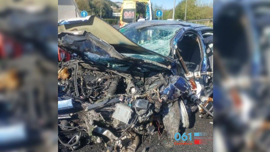 Un muerto y dos heridos en un accidente provocado por un kamikaze en la A-8