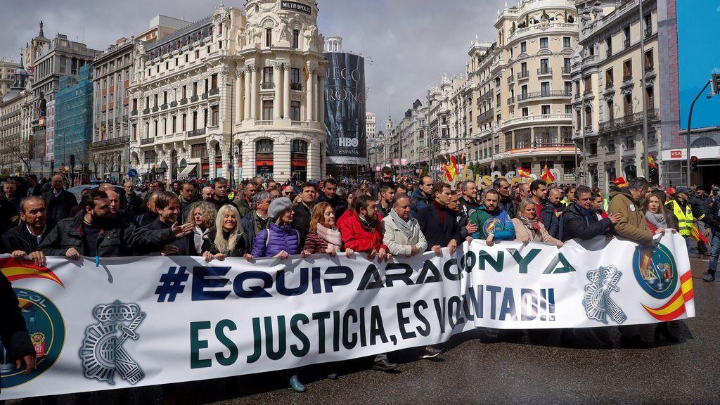 """Policías y guardias civiles reivindican en Madrid una equiparación salarial """"real"""""""