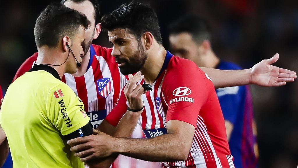 Expulsión Diego Costa | Piqué trata de tranquilizarle
