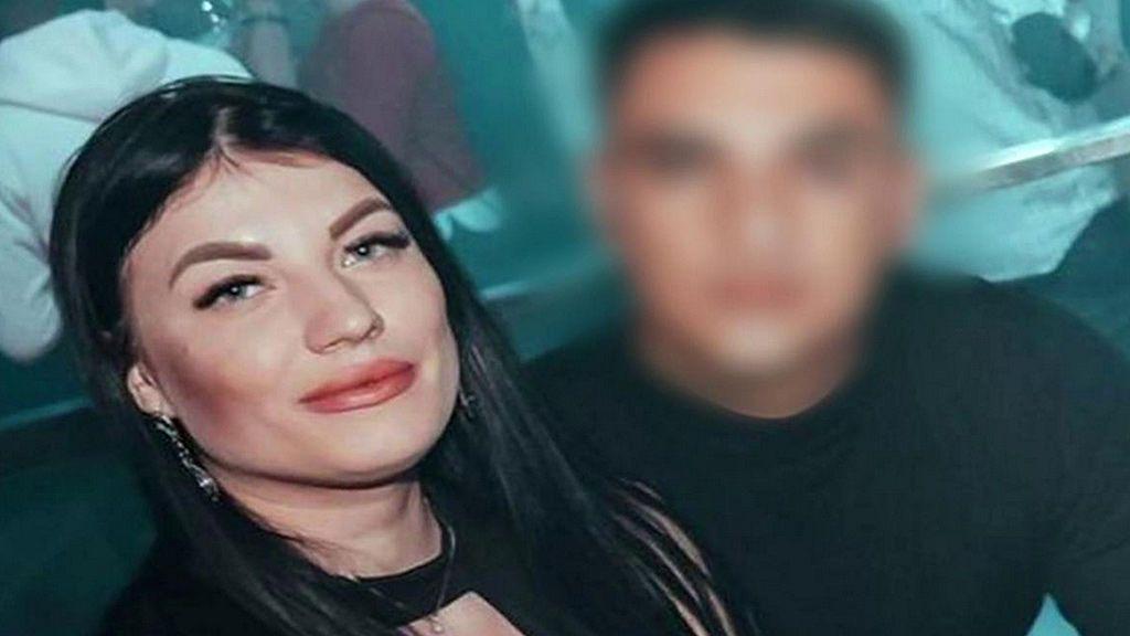 """Daniela, amiga de la joven asesinada en Vinaroz: """"Me decía que Adrián la encerró en casa tres días sin teléfono ni comida"""""""