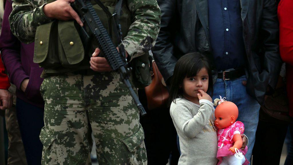 Mes y medio de cárcel para una militar paraguaya que pidio permiso para dar el pecho a su bebé en el cuartel