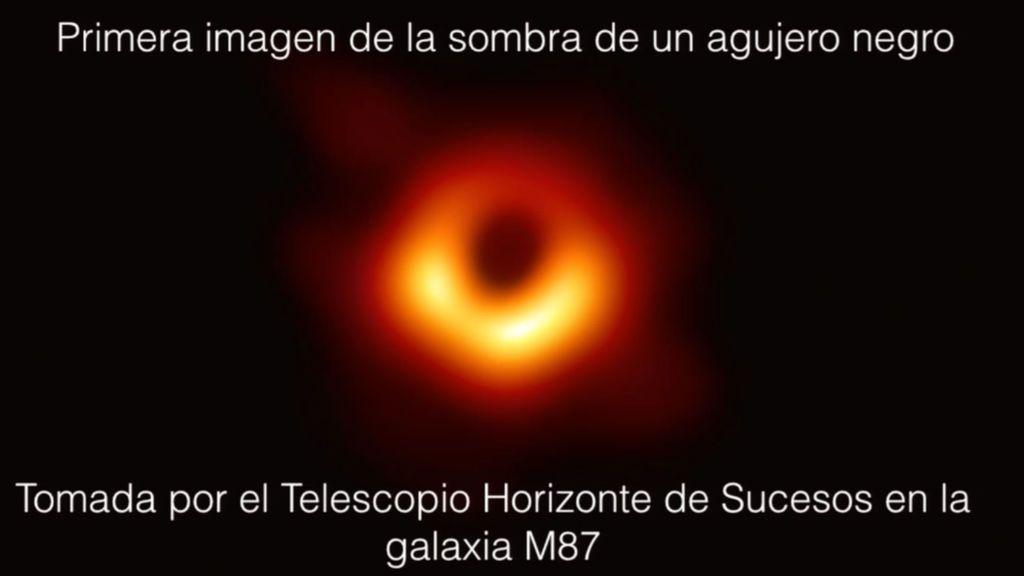 Primera imagen de un agujero negro en la galaxia M87