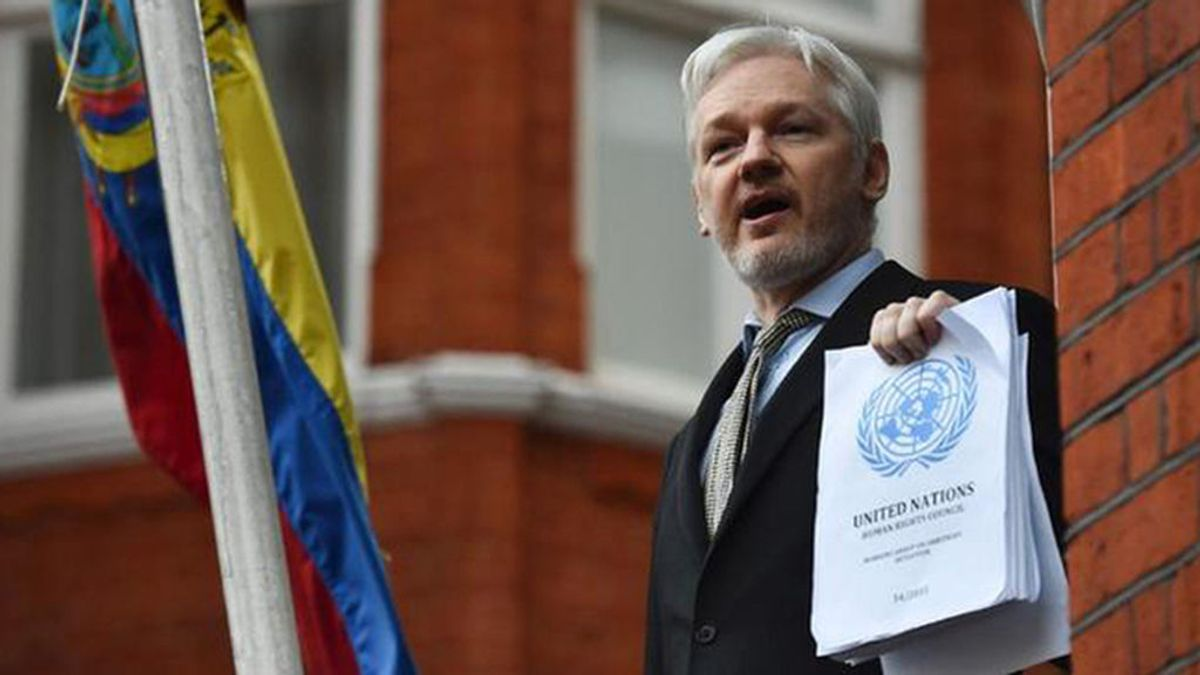 Julian Assange, detenido en la Embajada de Ecuador en Londres